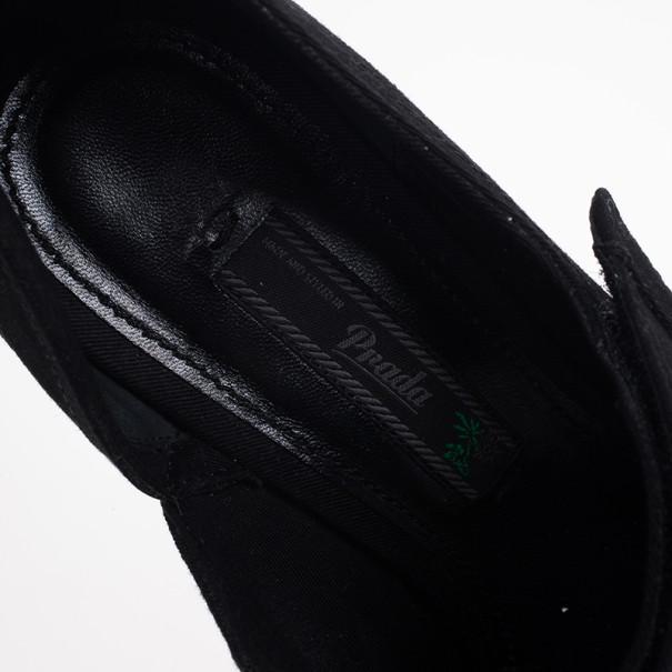 Prada Black Extended Cap-Toe Mary Jane Pumps Size 38.5