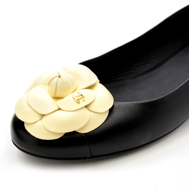 Chanel Black & White Leather Camelia Flower Ballet Flats Size 37.5