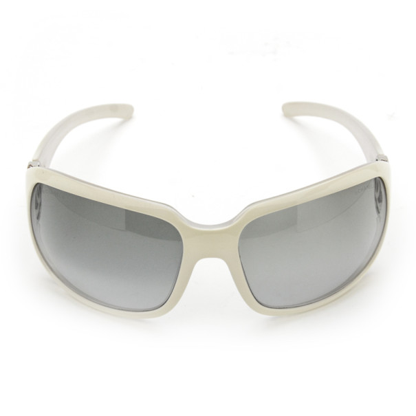 Chanel 6023 White Metal CC Logo Woman Sunglasses