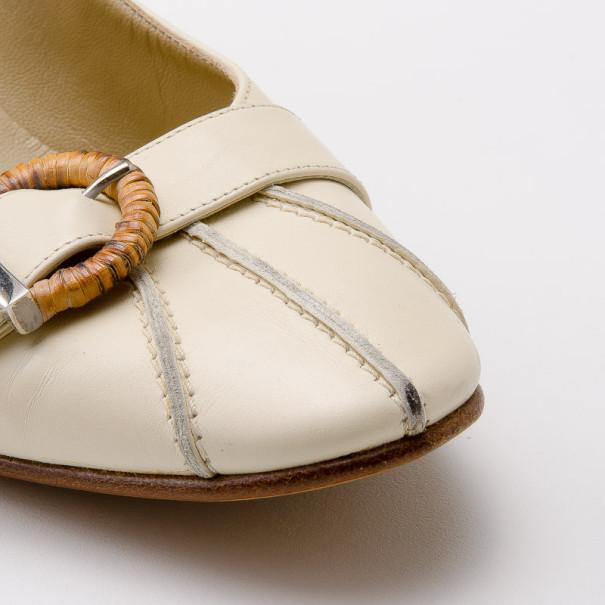 Salvatore Ferragamo Cream Leather Buckle Pumps Size 38.5