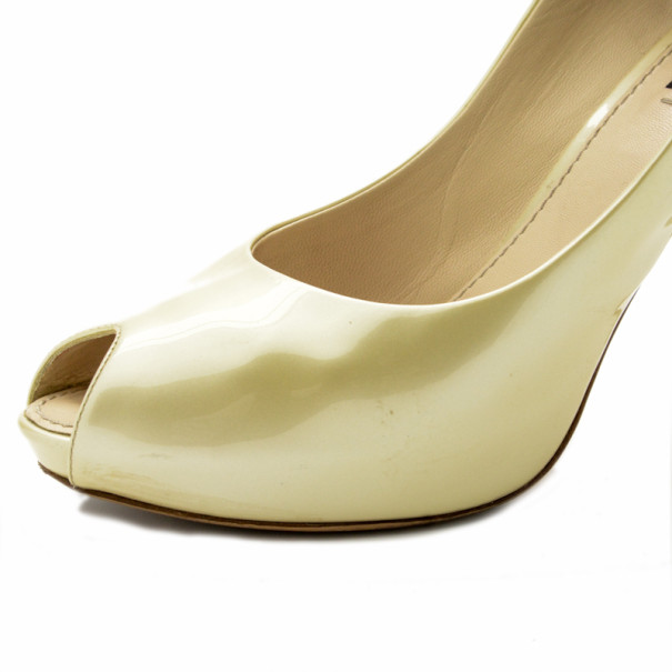 Louis Vuitton Nude Patent Oh Really! Peep Toe Pumps Size 38