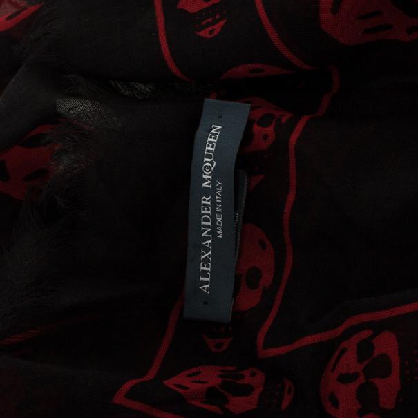 Alexander McQueen Classic Skull 120x104cm Silk Scarf