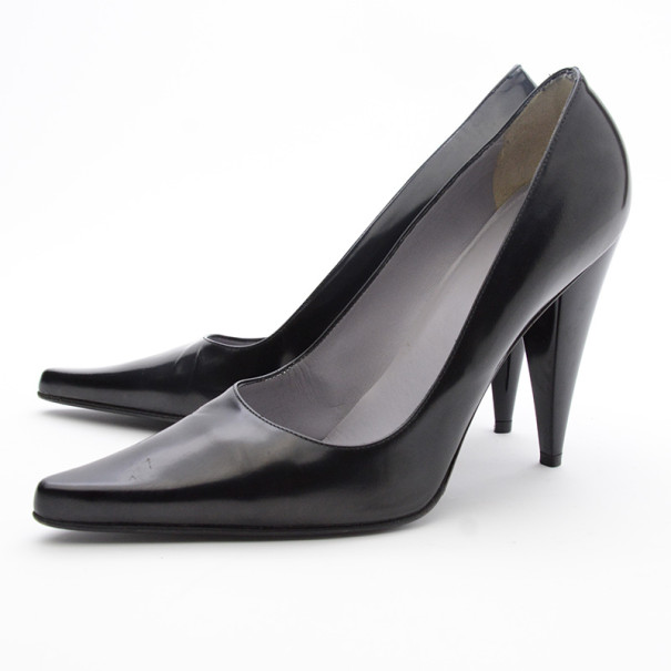 Gucci Black Leather Pointed Toe Pumps Size 38