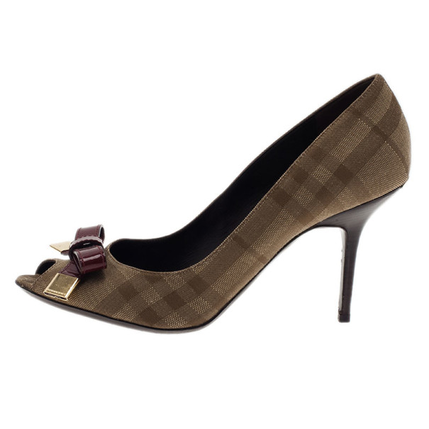 Burberry Beige Plaid Canvas Patent Leather Bow Detail Peep Toe Pumps Size 40