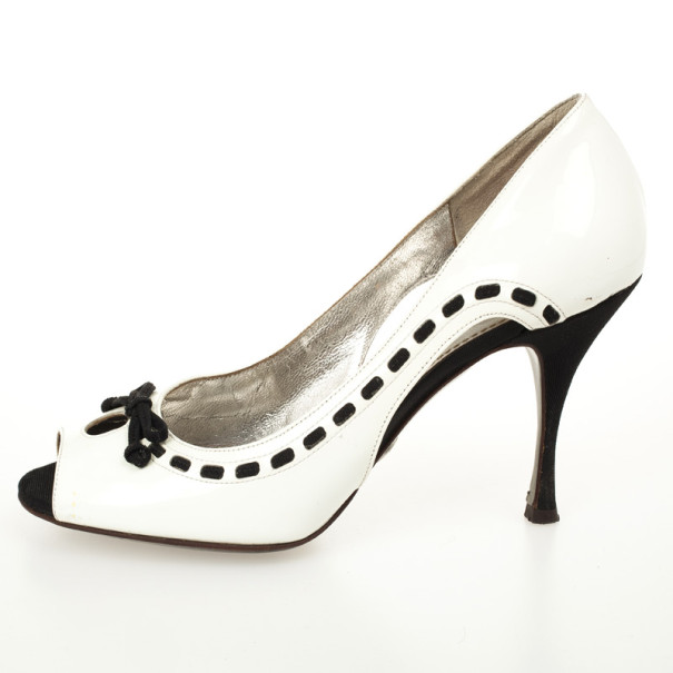 Dolce and Gabbana White Bow Peep Toe Pumps Size 38.5