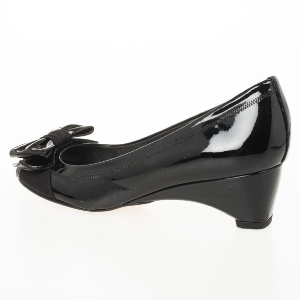 Stuart Weitzman Black Patent Lovebow Peep Toe Wedges Size 36.5