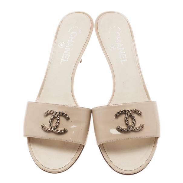 Chanel Cream Patent CC Slides Size 39.5