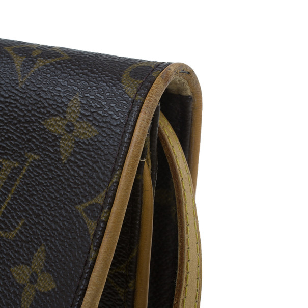 Louis Vuitton Monogram Canvas Pochette Shoulder Bag PM