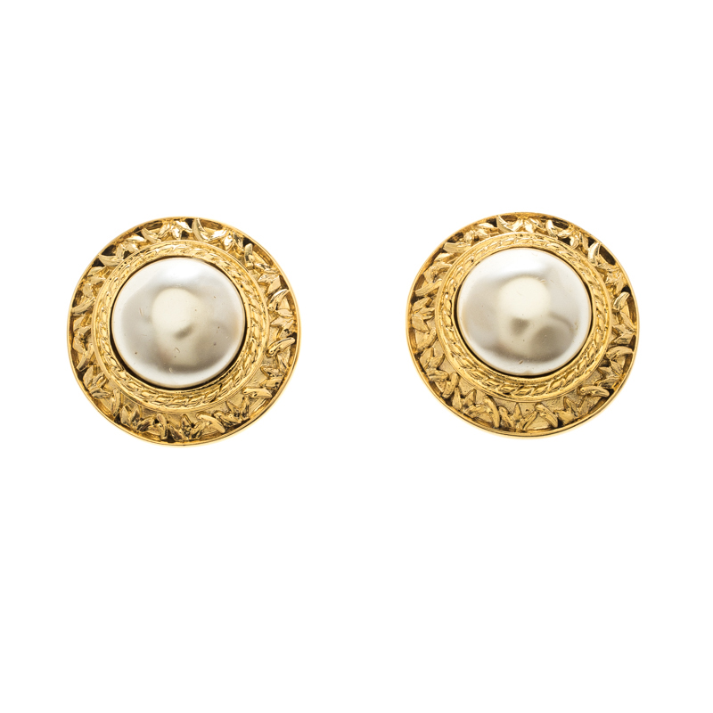 Chanel Cc Vintage Textured Faux Pearl Gold Plated Clip On Stud Earrings Nextprev Prevnext