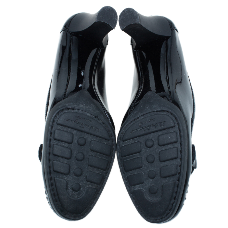 Salvatore Ferragamo Black Patent Ruia Buckle Detail Pumps Size 38