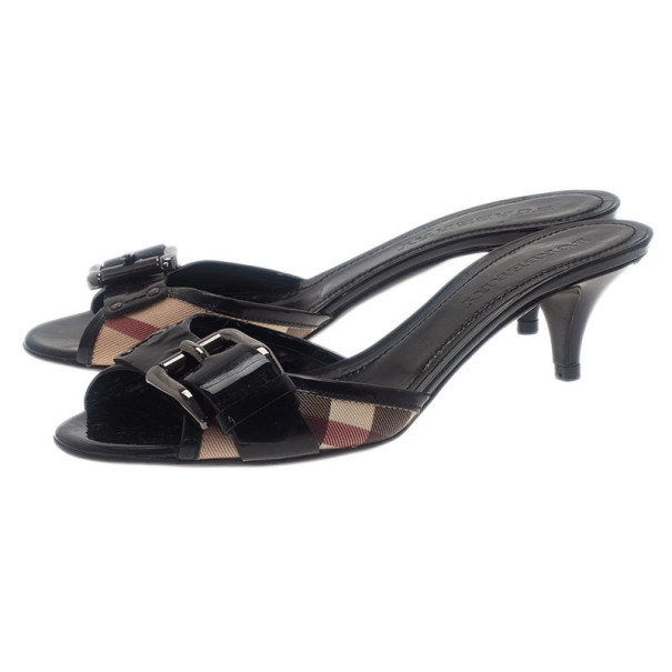 Burberry Novacheck Buckle Slides Size 38