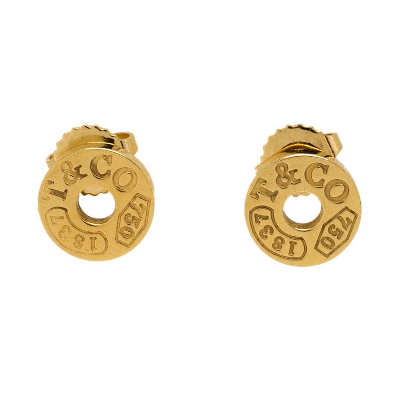 Gold Stud Earrings Nextprev Prevnext