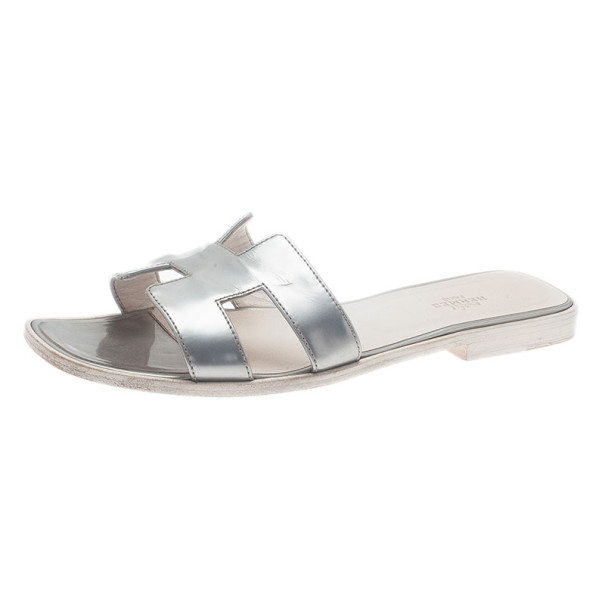 Hermes Silver Leather Oran Box Sandals Size 39.5