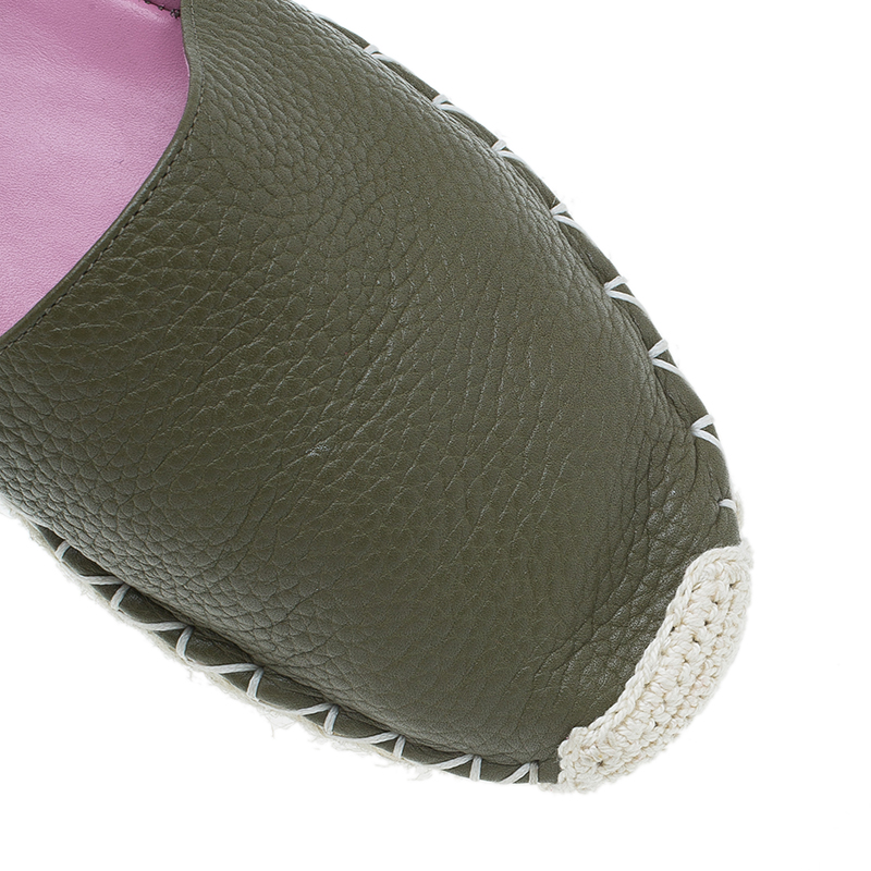 Valentino Green Leather Rockstud Espadrilles Size 37