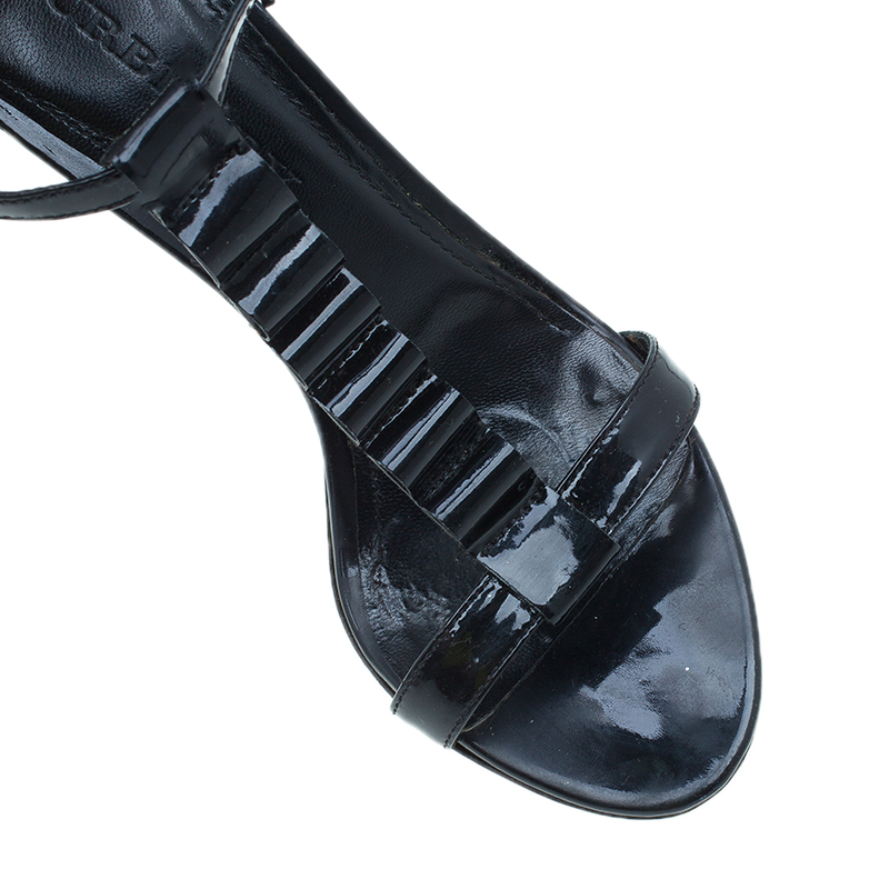 Burberry Black Patent Ruffle T Strap Sandals Size 38