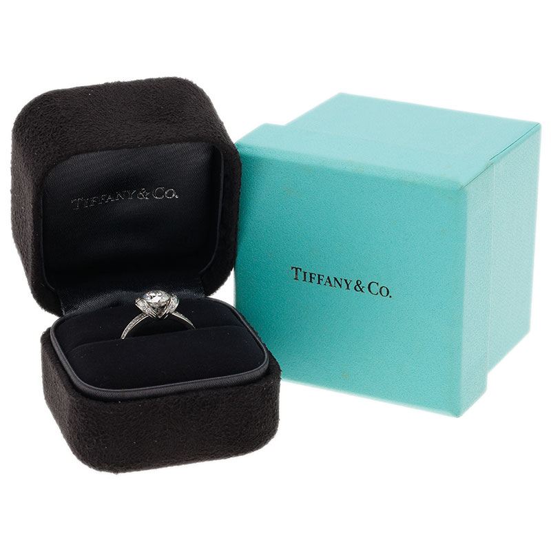 Tiffany & Co. Round Brilliant 0.96 G VS1 Diamond  Ribbon Ring Size 51