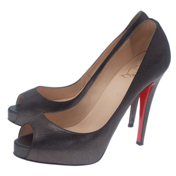 Christian Louboutin Black Metallic Leather Very Prive Pumps Size 37.5