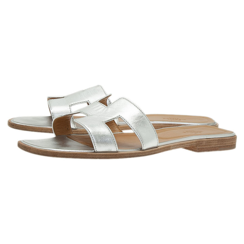 Hermes Metallic Silver Leather Oran Flat Sandals Size 40.5