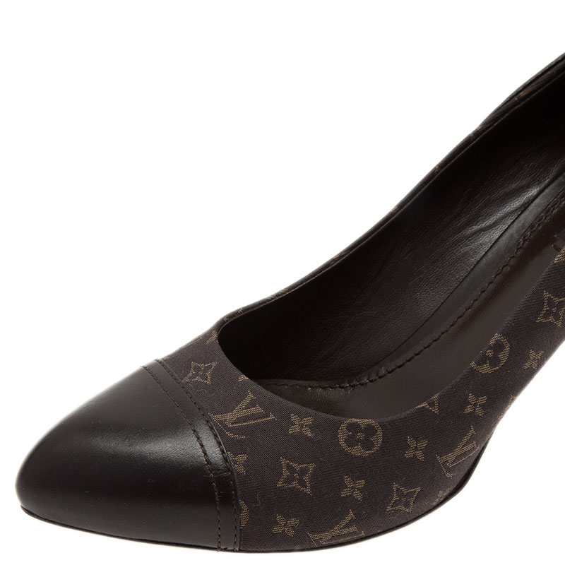 Louis Vuitton Grey Monogram Idylle Canvas and Leather Cap Toe Pumps Size 39.5