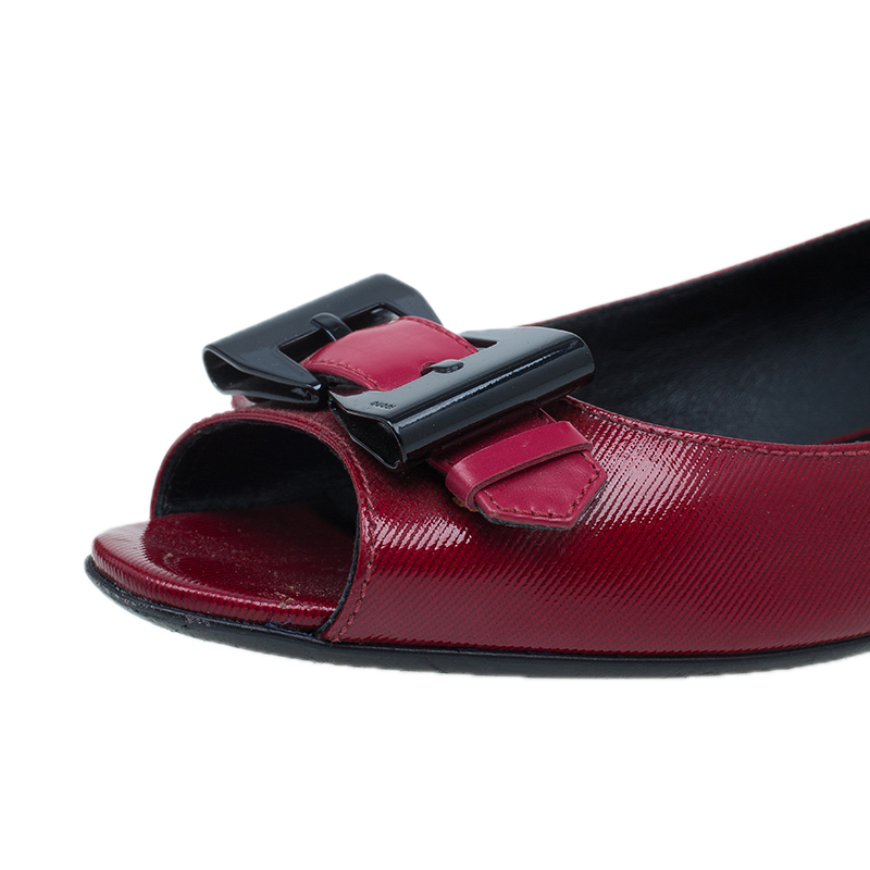 Gucci Red Patent Buckle Detail Open Toe Ballet Flats Size 38.5