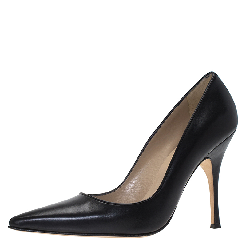 fc294058950e ... discount manolo blahnik black leather blixa pointed toe pumps size 40.  nextprev. prevnext da6fe ...