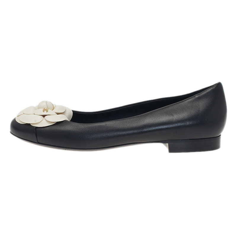 Chanel Black and White Leather Camelia Flower Ballet Flats Size 38