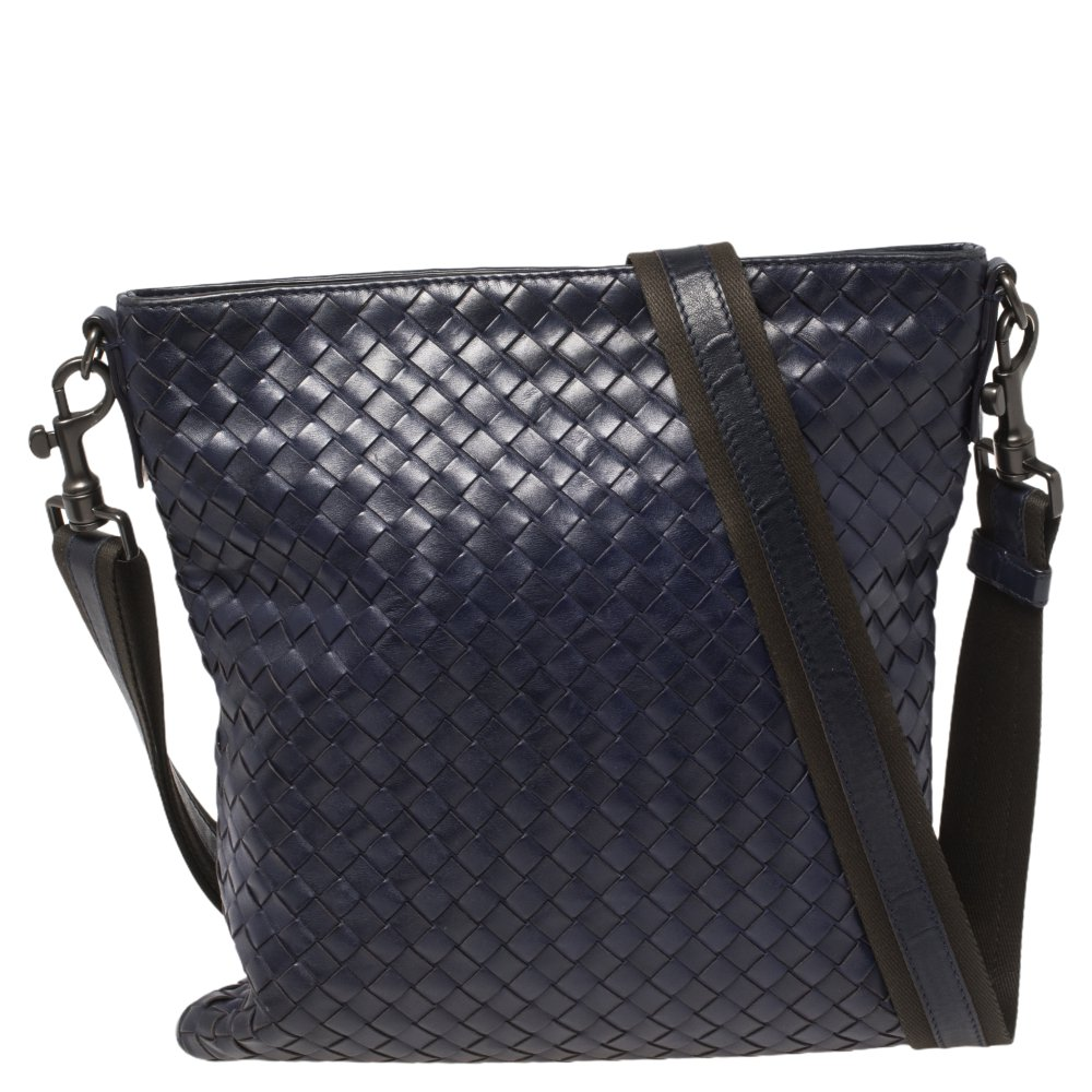Pre-owned Bottega Veneta Blue Intrecciato Leather Messenger Bag