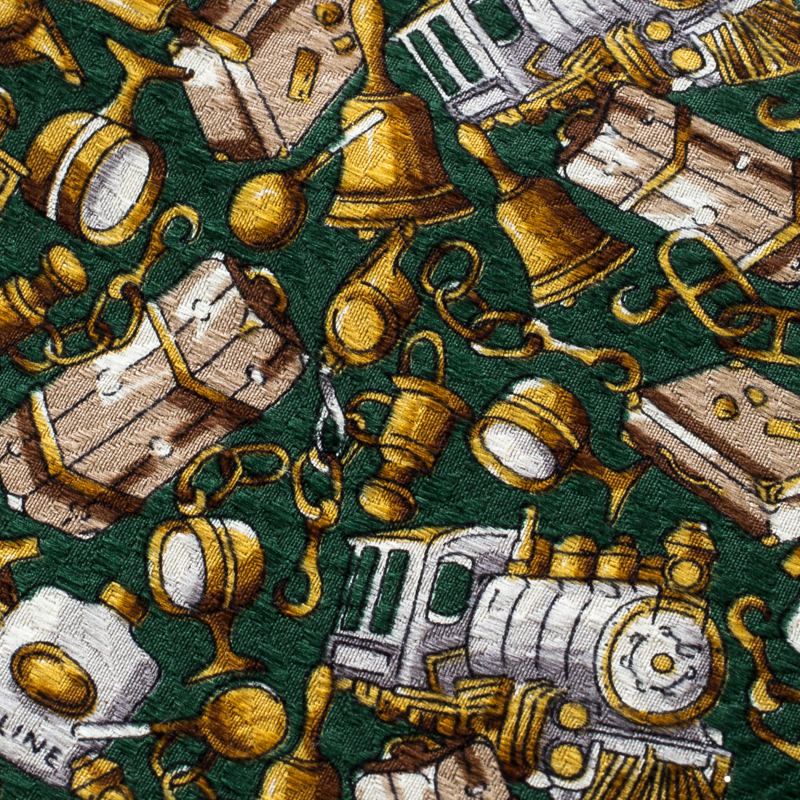 Купить со скидкой Céline Green Printed Traditional Silk Tie
