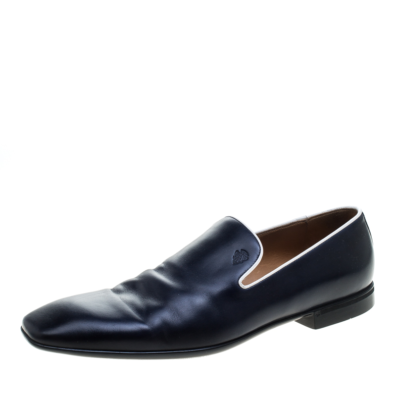 90b03e74a1cf57 Buy Gucci Navy Blue Leather Crest Logo Loafers Size 41.5 144772 at ...