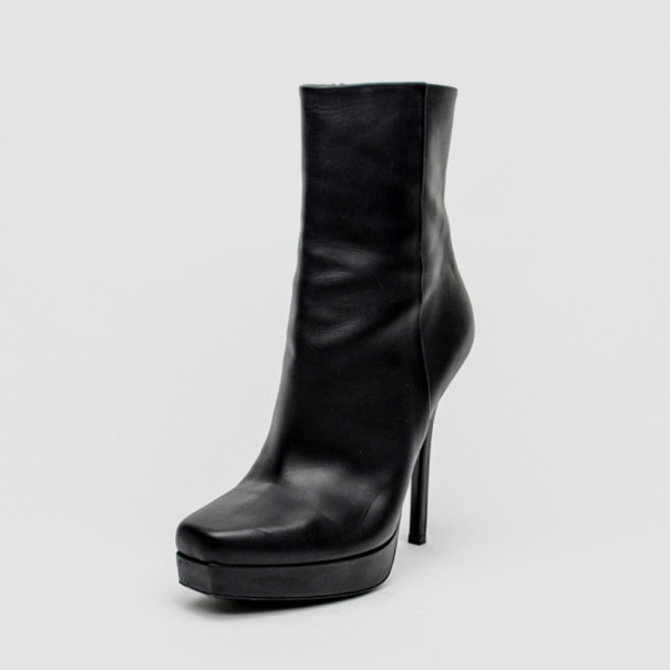 07098c9df5b0 Buy Gucci Black Leather Mid Calf Platform Boots Size 39 34131 at ...
