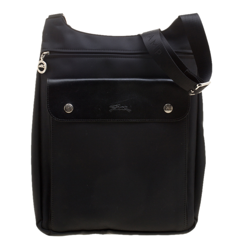 724561ae4ed4 Buy Longchamp Black Nylon Messenger Bag 137304 at best price