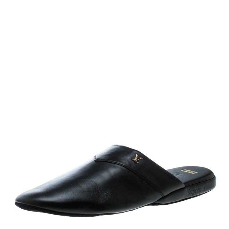 4af52e105c0 Buy Louis Vuitton x Supreme Black Leather Hugh Flat Slippers Size 42 ...