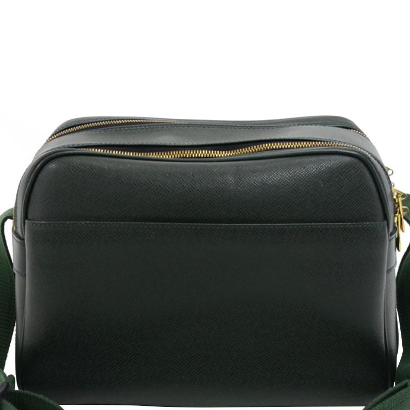 Купить со скидкой Louis Vuitton Epicea Taiga Leather Reporter Bag