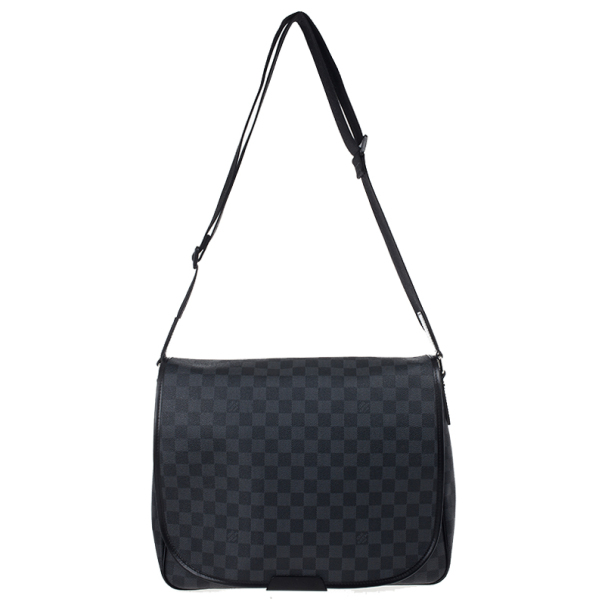 ... Louis Vuitton Damier Graphite Daniel MM Messenger Bag. nextprev.  prevnext 7718e7390a280