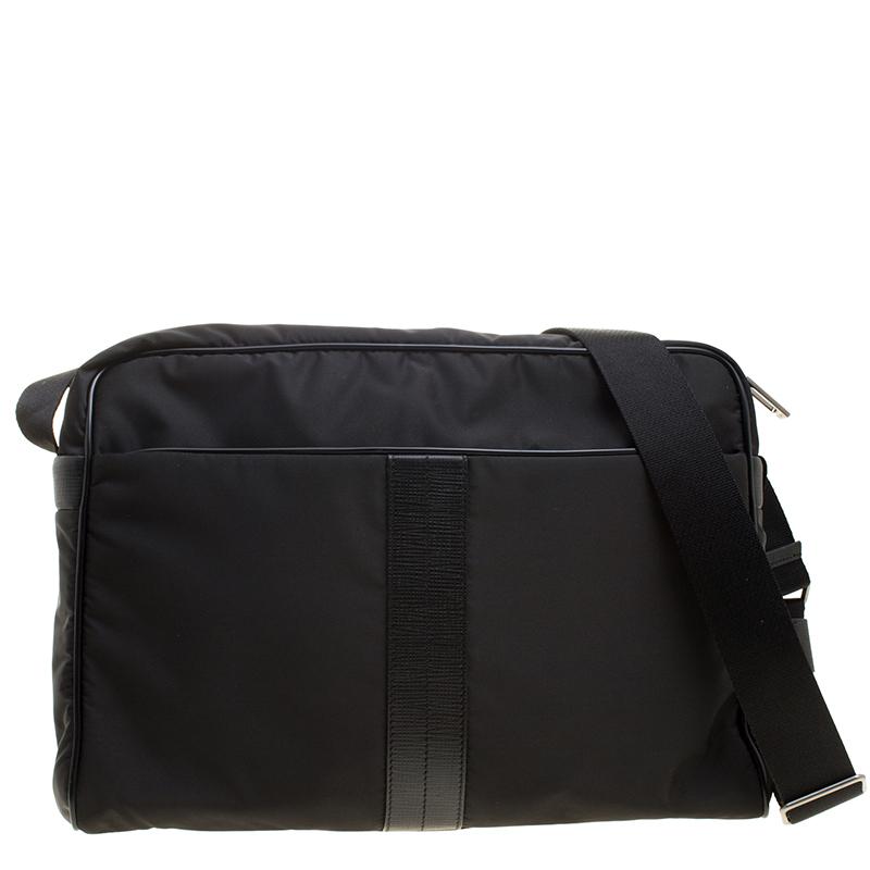 Купить со скидкой Tod's Black Nylon Pillow Tex Messenger Bag