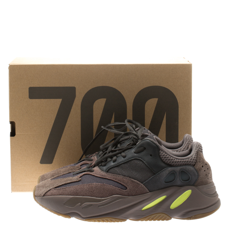 uk availability fdb9e 6c45a Yeezy x Adidas Mauve Mix Media Boost 700 Wave Runner Sneakers Size 44