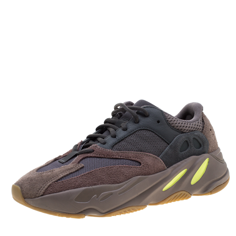 reputable site 3a763 4fd18 Yeezy x Adidas Mauve Mix Media Boost 700 Wave Runner Sneakers Size 40.5