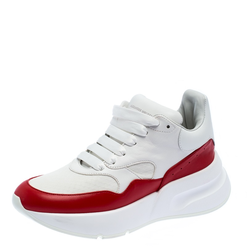 Canvas Larry Low Top Sneakers Size
