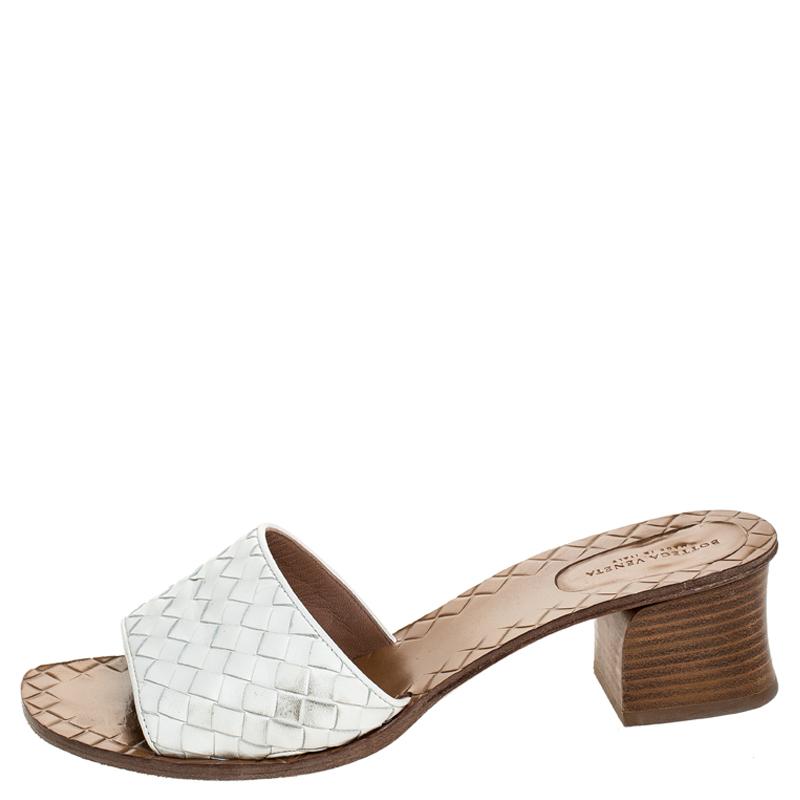 Bottega Veneta Blanc Intrecciato De Cuir Slide Sandals Taille 40