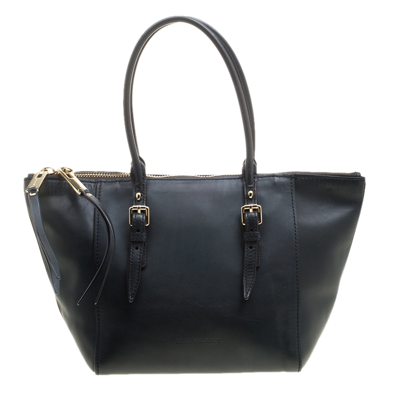 732e602ce06 Buy Burberry Black Leather Zip Tote 136087 at best price | TLC