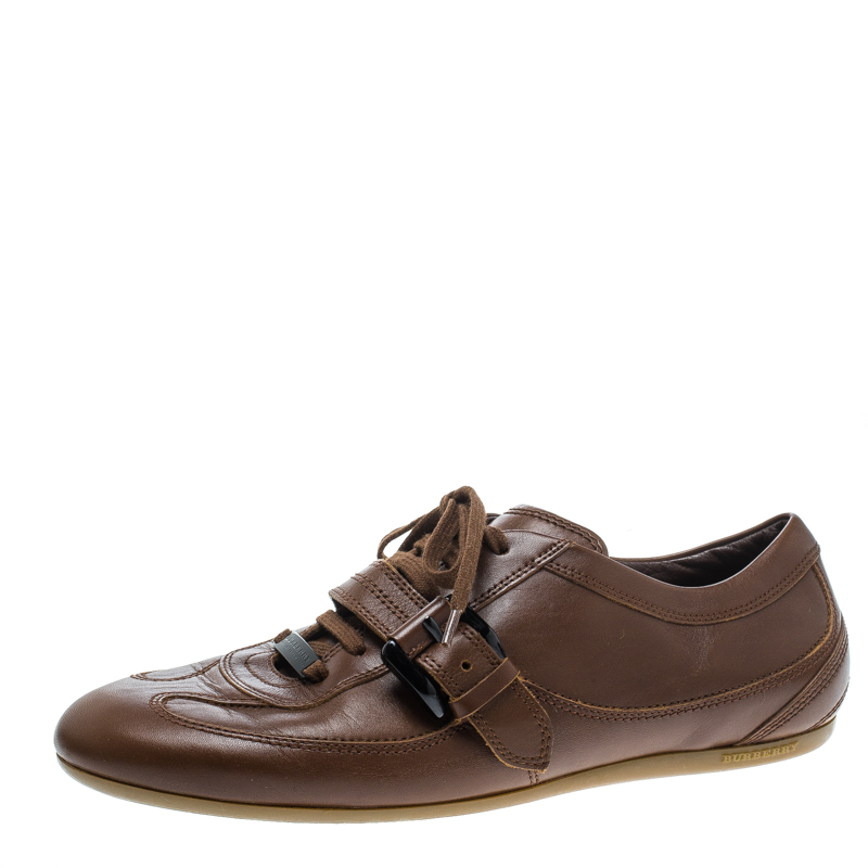 ce79e9ee8535 Buy Burberry Brown Leather Buckle Detail Low Top Sneakers Size 38 ...