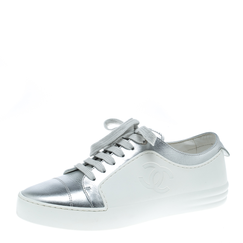 c83d1ff9ab9ce Buy Chanel White/Silver Leather CC Low Top Sneakers Size 36.5 150810 ...