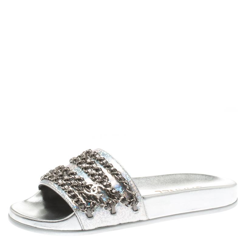268531d7d0ff Buy Chanel Metallic Silver Glitter Finish Leather Tropiconic Chain ...