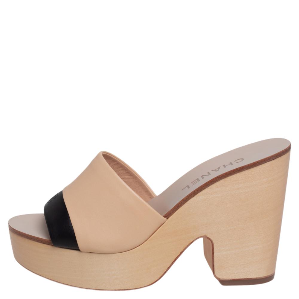 Chanel Beige/Black Leather Open Toe Slide Wooden Clogs Size 38
