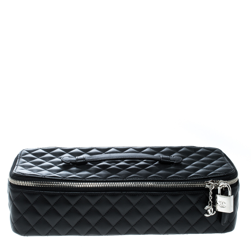 add568e836a9 Buy Chanel Black Quilted Leather Makeup Bag 167931 at best price