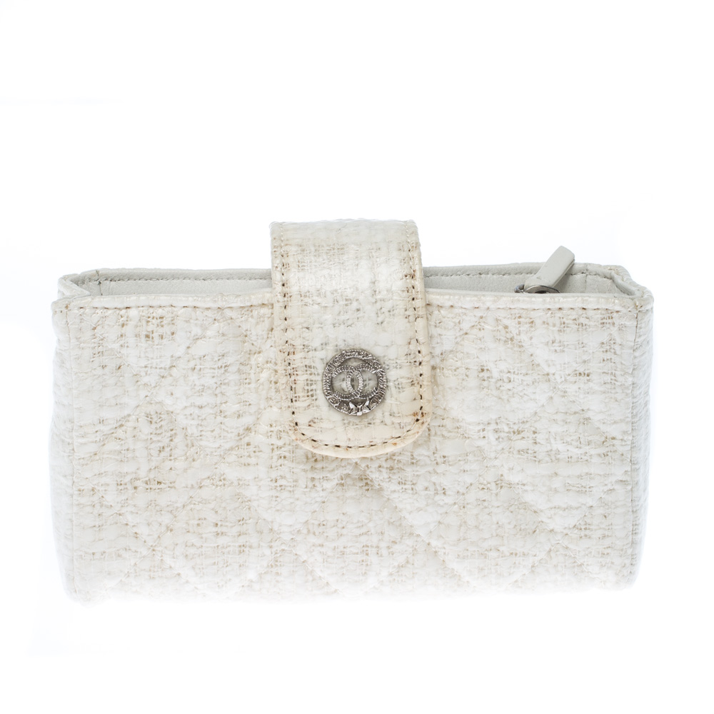 Chanel White Quilted Coated Tweed iPhone Pouch