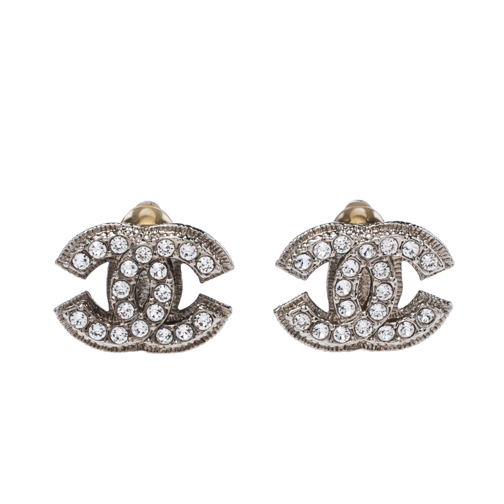 Pre-owned Chanel Silver Tone Crystal Cc Clip-on Stud Earrings