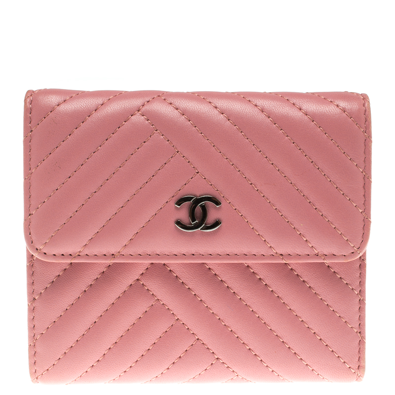 61b2d3f67965 Buy Chanel Pink Chevron Leather Compact Wallet 105297 at best price ...