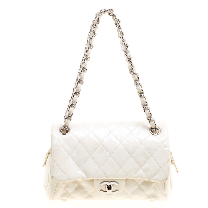 23a79277332e8b Chanel White Quilted Patent Leather Clic Shoulder Bag 119312