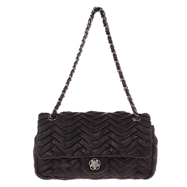 1a3874fbc8e0 Buy Chanel Black Pleated Leather Shoulder Bag 16710 at best price   TLC
